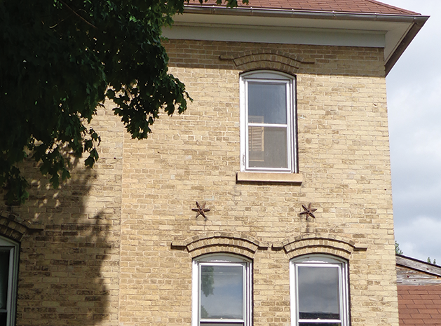 Have You Ever Noticed A Metal Star On The Side Of An Older Brick Building Wondered Why It Was There Is Very Practical Reason For